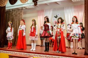 Українська дівчина і розумна, і красива