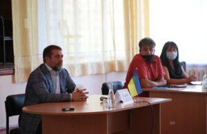 У школах не повинно бути ніякої політики, – Сергій Гайдай зустрівся з педагогами